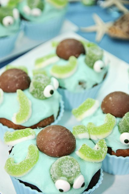 Turtle cupcakes at an Under the Sea Party #underthesea #partycupcakes