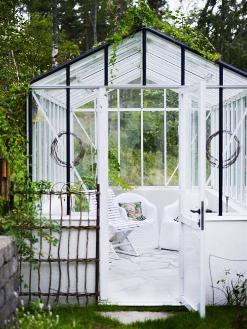 haven in the garden: Green Houses, Greenhousesit Rooms, Outdoor Living, Dreams, Gardens Houses, Gardens Retreat, Gardens Parties, Outdoor Spaces, Glasses Houses