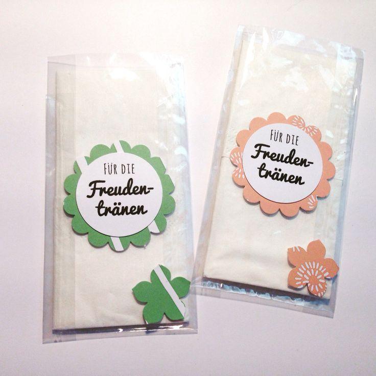 Für die Freudentränen - for tears of joy  http://de.dawanda.com/product/85293031-10-x-gastgeschenk-hochzeit-wildblumensamen