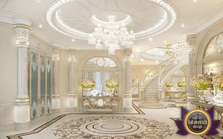 Marbre blanc, cristal et verre sont les matériaux de prédilection de cette décoratrice d'intérieur