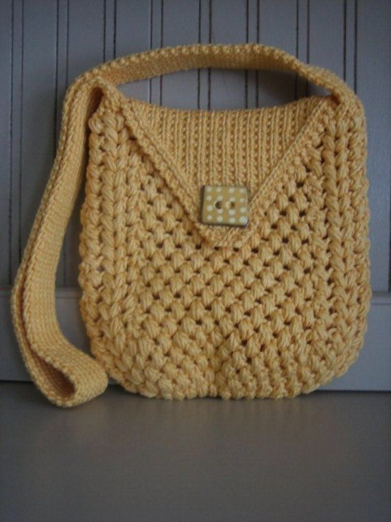 crochet purse, not really feeling the straps though