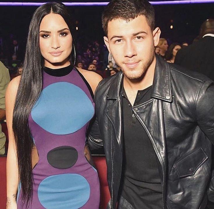 Demi Lovato at the AMA 2017 with Nick Jonas - November 19th