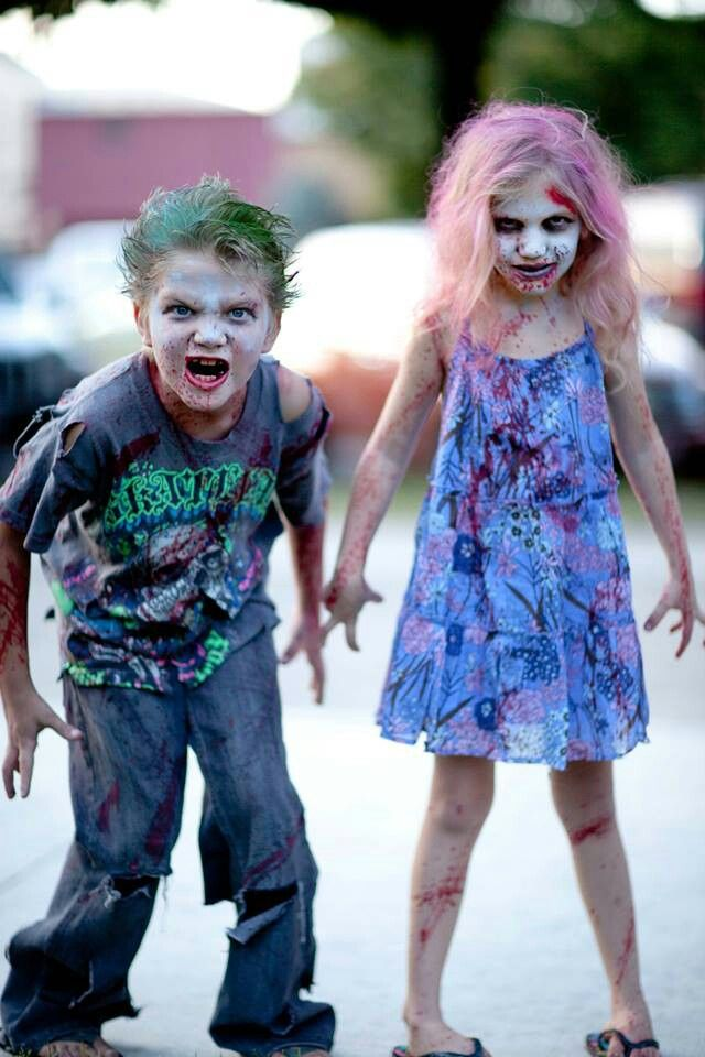 Creepy kid zombie Halloween makeup and attire #provestra