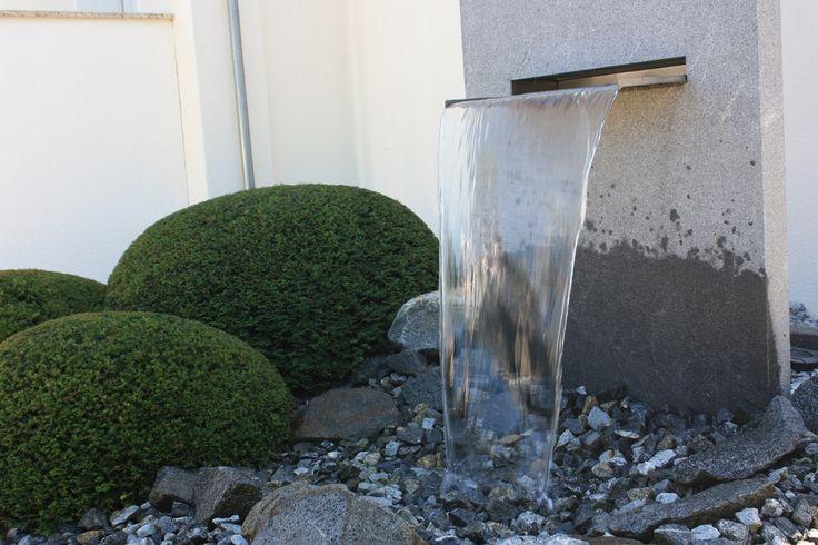 Ber ideen zu teich wasserfall auf pinterest for Gartenideen teich