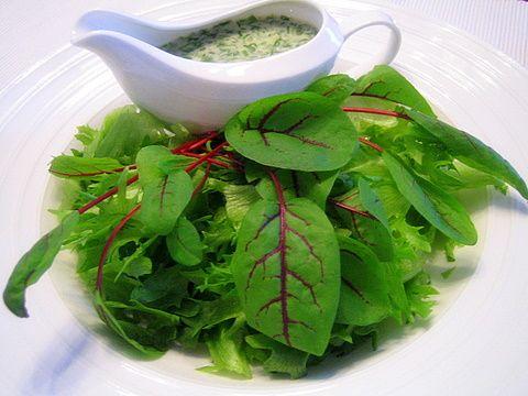 Limenmakuinen salaattikastike 1dl - öljyä!