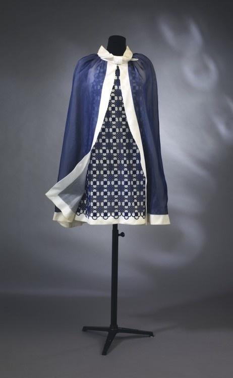 #blue and white #vintage couture #pattern Cute little cocktail dress ensemble Pierre Cardin, 1967-1968 @The Victoria & Albert Museum