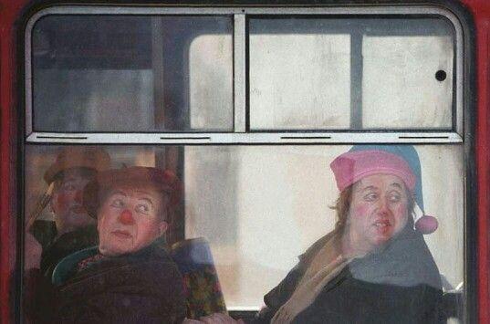 Сергей Максимишин, 2000. Окно циркового автобуса, Санкт- Петербург