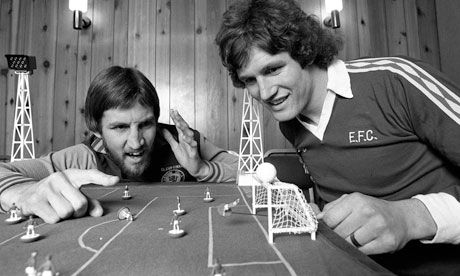 #Vintage #Football: #Aston Villa 's Chris Nicholl, left, has a shot saved by #Everton 's Mike Lyons while they play #Subbuteo in 1977. #Bzona Style!