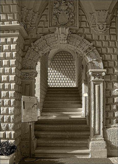 Palazzo Adorni - Lecce http://www.nelsalento.com/guide/lecce/i-palazzi-di-lecce.html