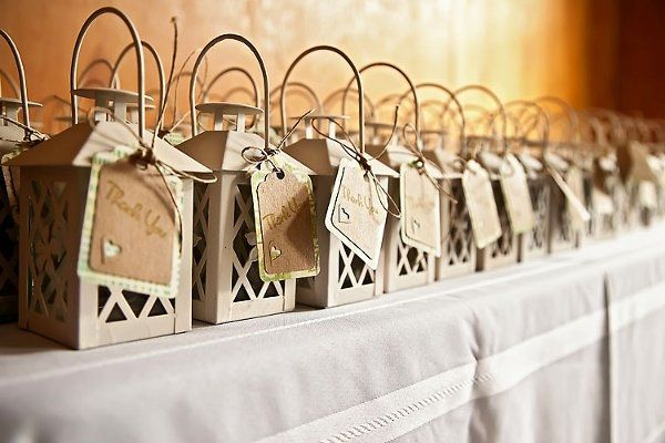 DIY rustic wedding favors ideas small lanterns personal thank you note