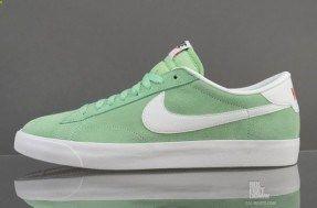 Nike Tennis Classic AC Tourmaline (Toumaline/White)
