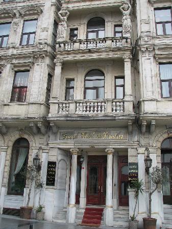 Grand Hotel de Londres, Istanbul. Nice rooftop bar.