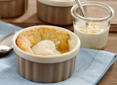 Cobbler aux pêches, sauce yogourt à l'orange recette | Plaisirs laitiers