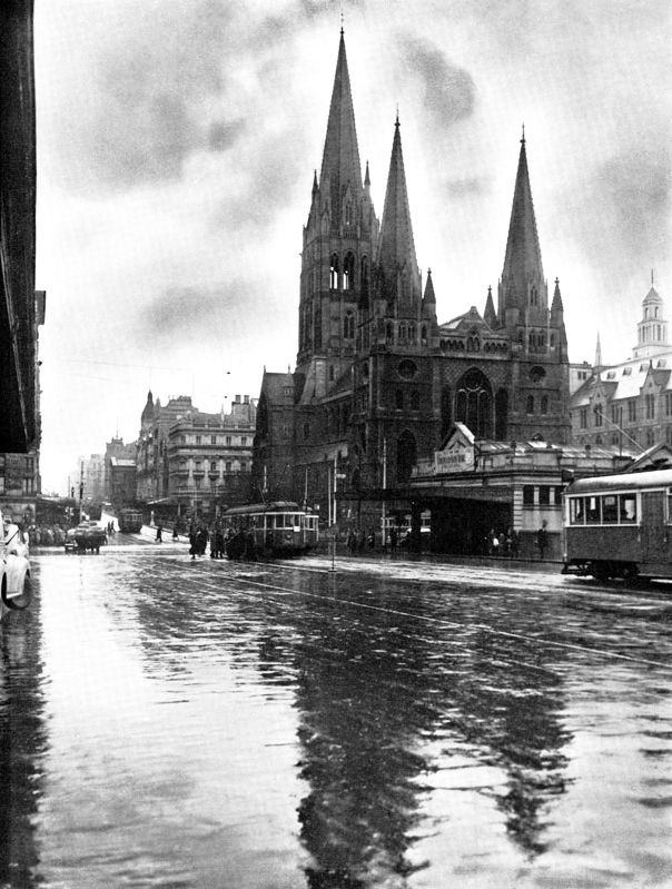 1949 St Pauls, Swanston St looking Nth