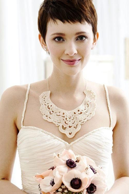 ショートヘアさんは目元を濃いめで視線が集中!結婚式の花嫁のおすすめアイメイク♡参考にしたいウェディング・ブライダル♡