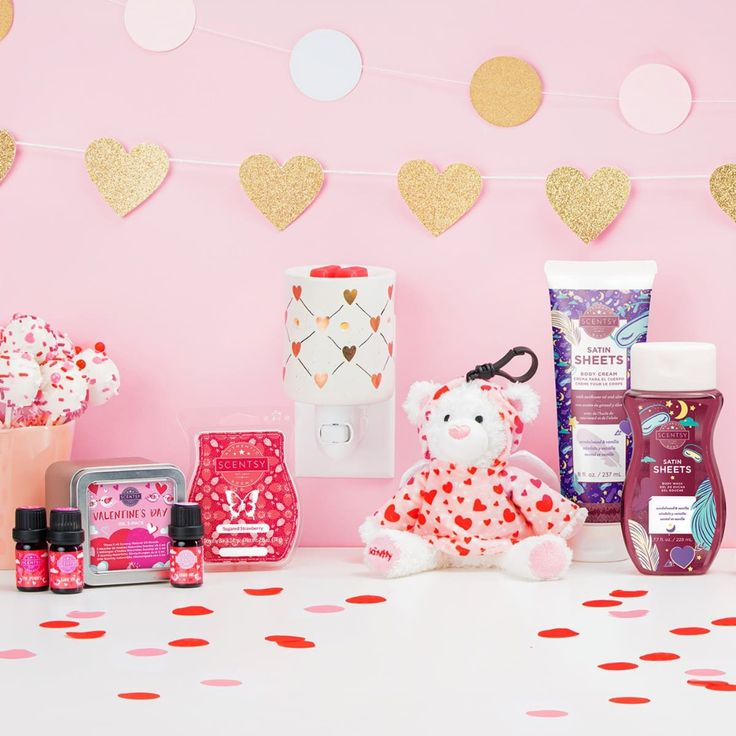 NEW! SCENTSY VALENTINE'S GIFTS VALENTINE'S 2020