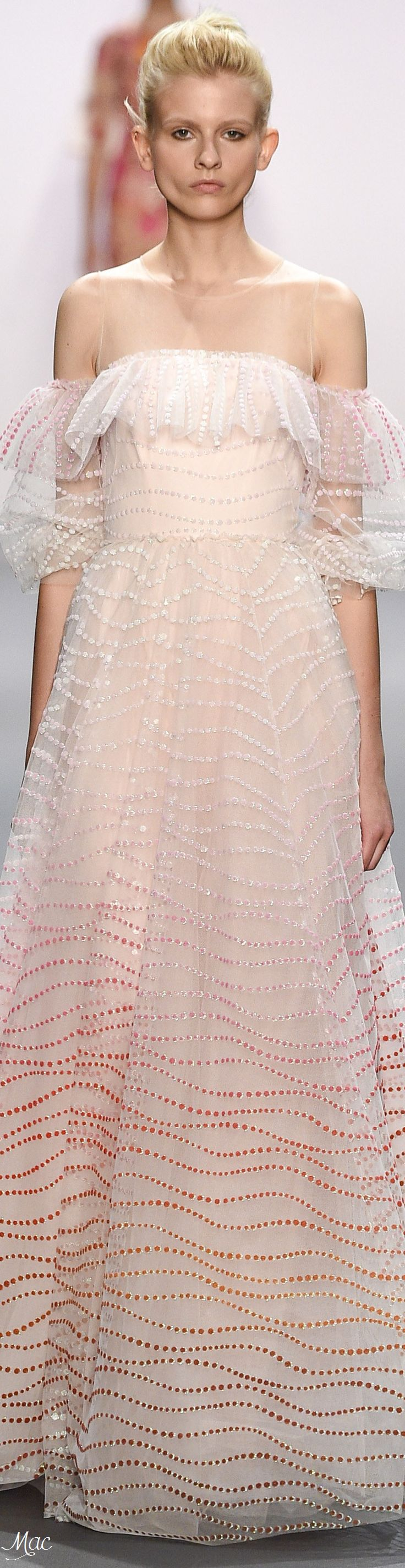 Spring 2017 Ready-to-Wear Jenny Packham