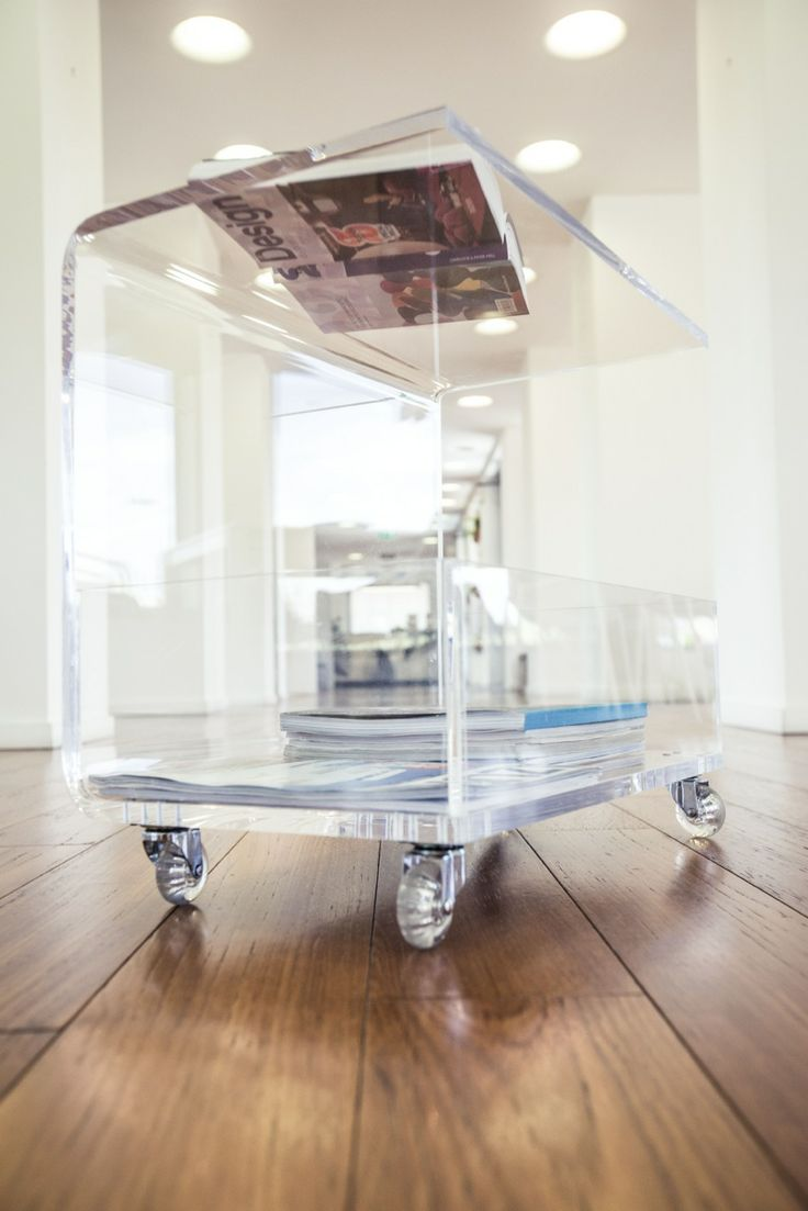 Clear Acrylic Coffee Table With Magazine Rack. #design #designtrasparente # Acrylic #plexiglass Amazing Ideas