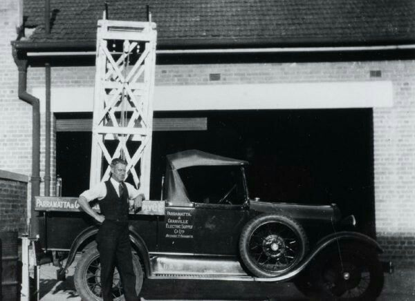 Street lighting maintenance unit,Parramatta and Granville Electric Supply Company in 1928.Parramatta Electric Supply Company was formed and commenced operating in early 1913 with the establishment of a coal-fired power station in Macquarie St,Parramatta.Nearby,on the corner of Smith St,Prospect Electricity was to later become the retailer for electricity provided in the Greater Western Sydney region in the 1990s.    🌹