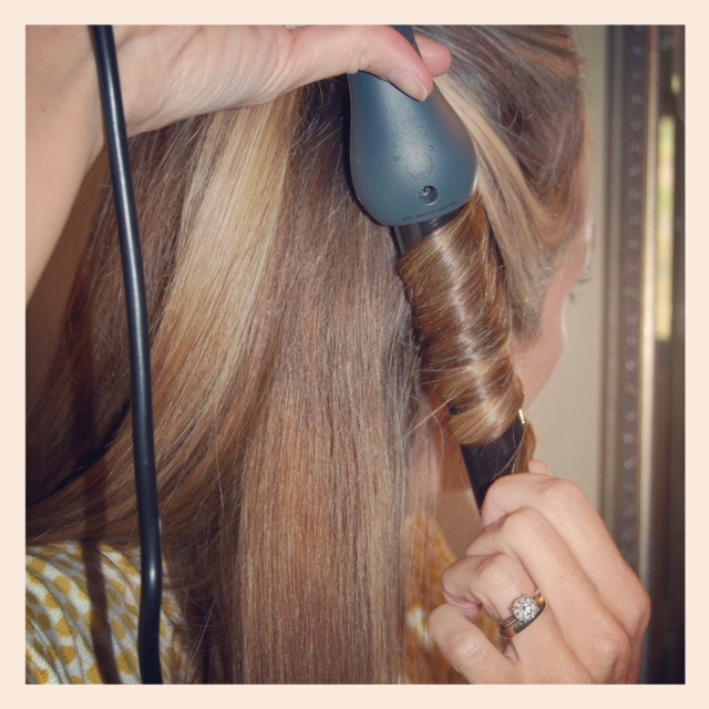 the stylish housewife » Blog Archive » review: jose eber clipless curling iron