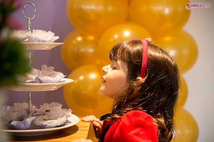 Festa Princesa Sofia. Arranjo de mesa das lembrancinhas. Princesa Sofia. Crédito: Balões: Balão Cultura (www.balaocultura....) Foto: Luana Luizetto Decoração: O Chá das 5 (www.ochadas5.com.br/) Bolo e Doces: Delicada Receita (andrea_bmr@hotmai...) #qualatex, #princesasofia #decoracaoprincesasofia #decoracaosofia #balaocultura #festasofia #festaprincesasofia #decoraçãoprincesasofia #decoraçãoprincesas #euamoaprincesasofia #festaincriveis #encontrandoideias #antesdafesta