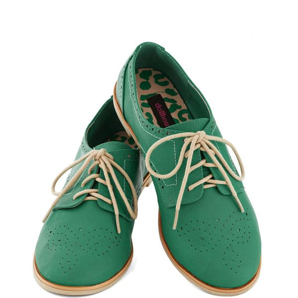 Trips of the Trade Flat in Emerald (130 PEN) ❤ liked on Polyvore featuring shoes, oxfords, flats, sapatos, casual, solid, oxford flats, lace up oxford flats, brogue shoes and oxford lace up shoes