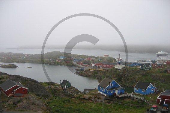 Carte postale de Sisimiut, Groenland  | Christie Cartes $2 christiecartes.com #cartepostale