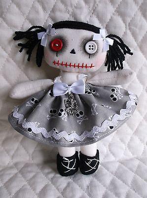 "Handmade Primitive Folk Art GOTHIC ZOMBIE 7"" Raggedy Ann Annie Cloth Rag Doll"