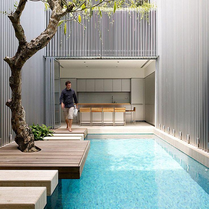 Piscine d'architecte http://www.elle.fr/Deco/Guide-shopping/Tous-les-guides-shopping/Les-piscines-de-reve-de-notre-ete-sur-Pinterest/