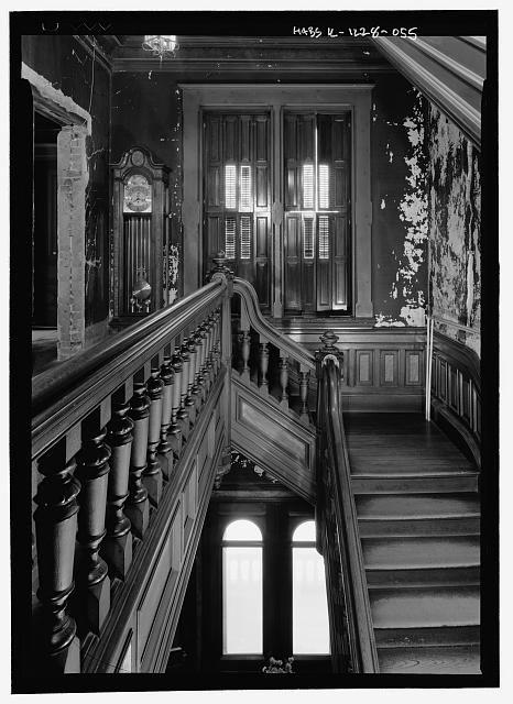les 1528 meilleures images du tableau victorian gothic interiors sur pinterest escaliers. Black Bedroom Furniture Sets. Home Design Ideas