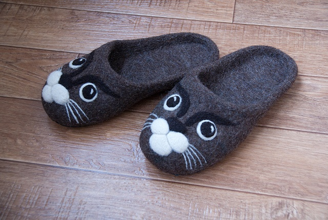 Women felted slippers with cat face №2