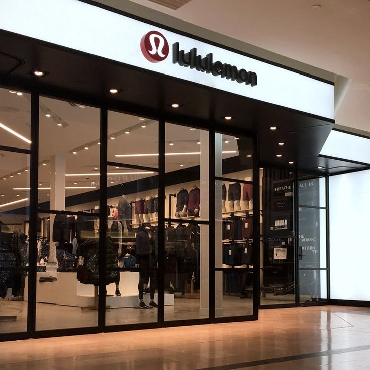 We'll be popping up tomorrow at #Lululemon Etobicoke from 11- 3 pm at their new store location in CF Sherway Gardens! Start off your weekend and 2018 with #healthy intentions by visiting to experience what the Avazera #Detox Program is all about. See you there!