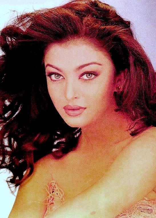 Aishwarya {90s Photoshoot}