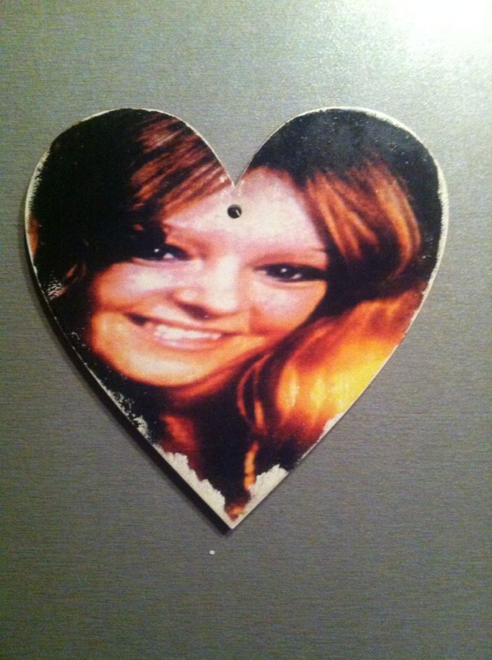 My beautiful mum. Hanging wooden heart. Gift. Remembrance. Love.
