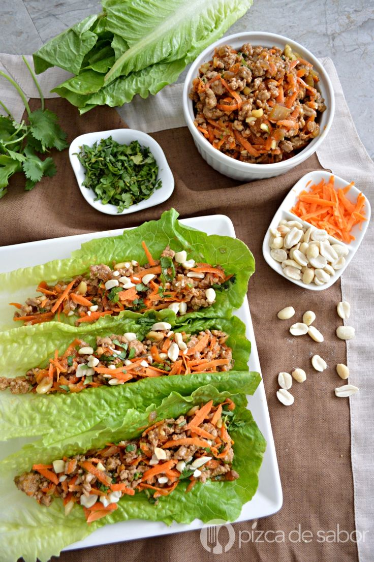 Tacos de lechuga con carne estilo oriental con cacahuates. Una opción saludable y más ligera, estilo P.F. Changs