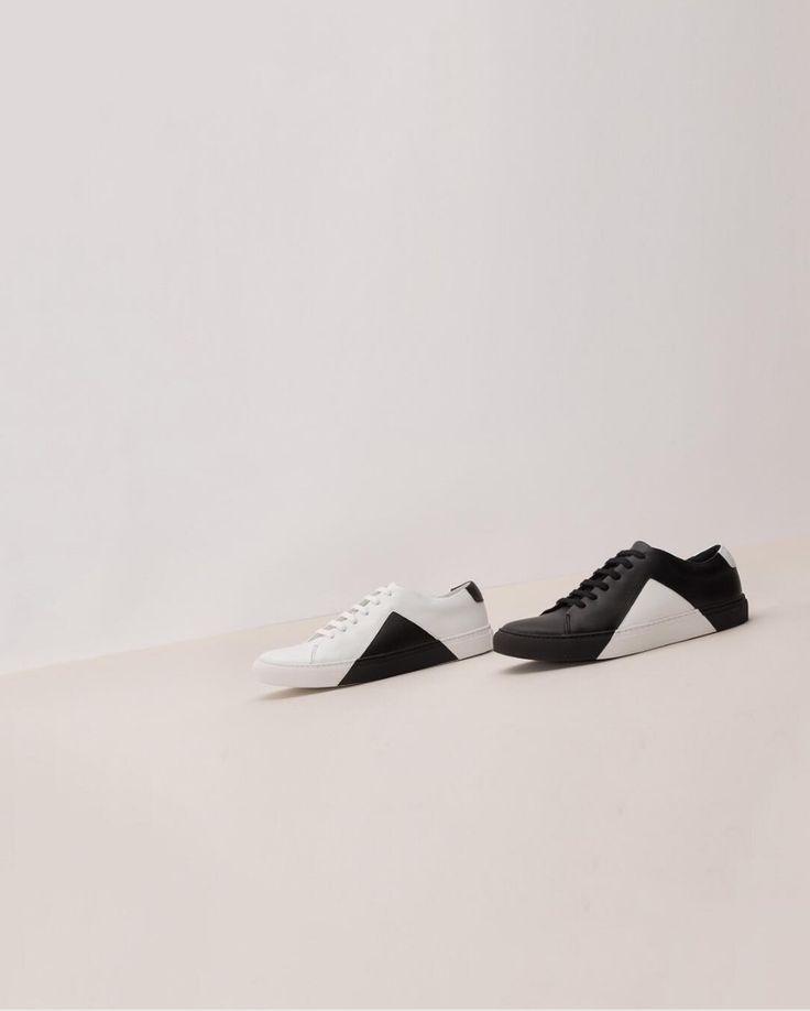Triangle white-black