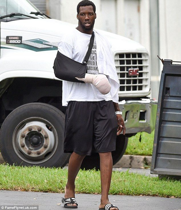 New York Giants' Jason Pierre-Paul bandaged after July 4th fireworks accident | Daily Mail Online