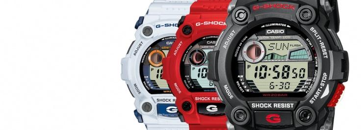 Los G-7900 son relojes completísimos, tanto, que han estado dando vueltas alrededor del mundo con la tripulación del equipo Telefónica durante la Volvo Ocean Race de 2012. los encontramos en negro como el G-7900-1ER, en blanco como G-7900A-7ER y el G-7900A-4ER en un tono rojo/naranja.