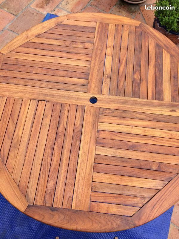 Table bois mobilier jardin teck massif.