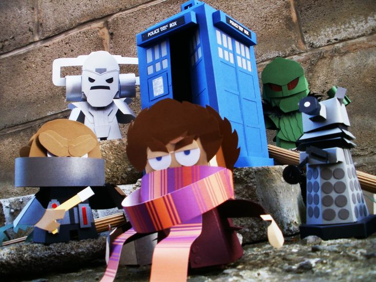 Brilliant Doctor Who papercraft by Ryan Hall. (No templates, sadly; he sells all his work individually. Check his site for more, though!): 4Th Doctors, Doctors Paper, Toys Design, Awsom Stuff, Doctors Who, Paper Toys For, Toys For Mandy, Brilliant Doctors, Crafts