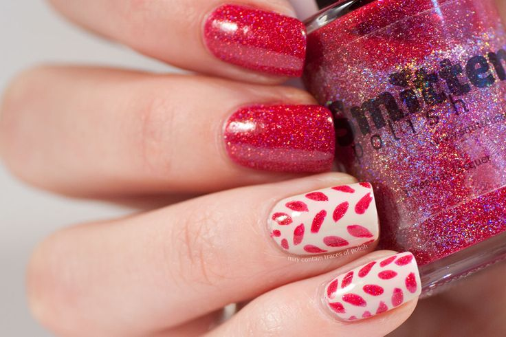 Red Sparkly Leaf Nails
