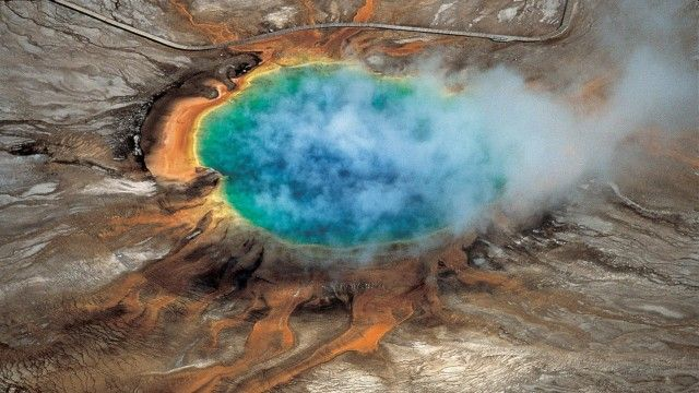 VIDEO Yellowstone national park: scientists discover huge magma chamber | Science | The Guardian
