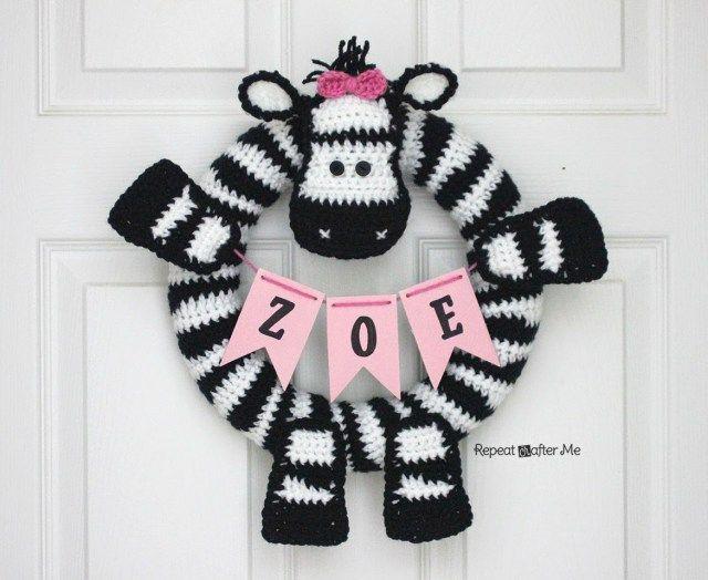 Crochet Zebra Wreath - Repeat Crafter Me