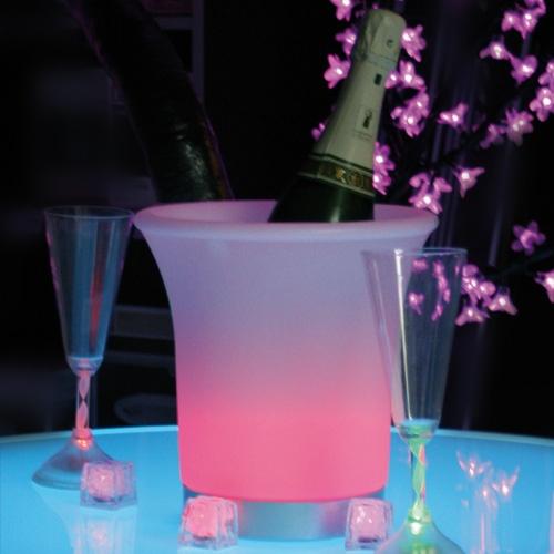 les 7 meilleures images du tableau autour du champagne sur pinterest chercher dossier et. Black Bedroom Furniture Sets. Home Design Ideas
