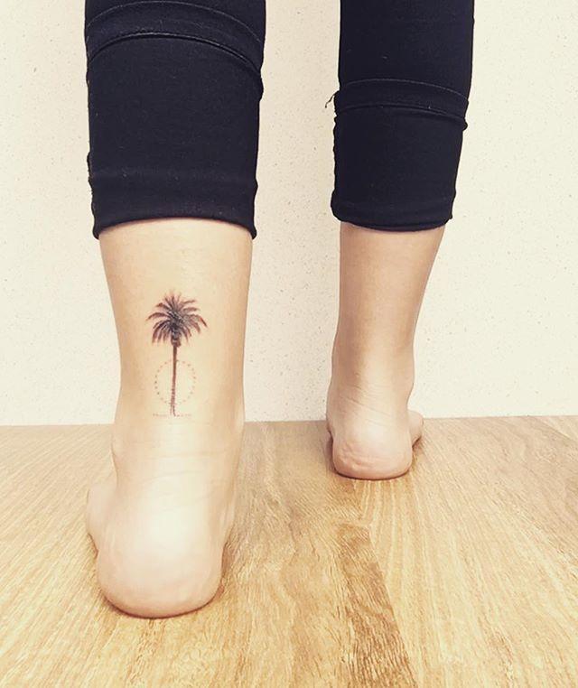 Pin for Later: 46 Tatouages Qui Feront Durer Vos Souvenirs d'Été Toute L'année