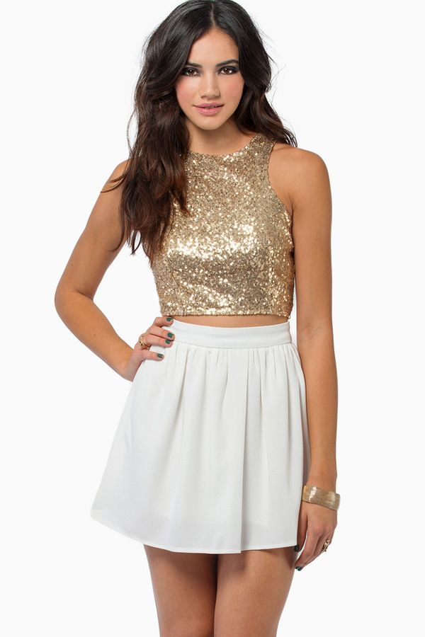 Show Stoppin' Crop Top $50 down to $25 // ordered XS and it's my token bling top!