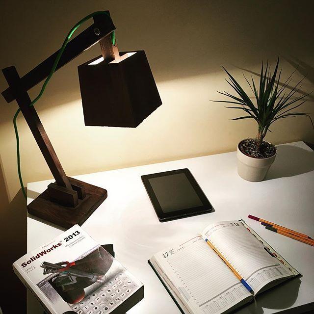 ➡Catapult lampa gabinetowa. Towarzyszy każdej pracy  #lighting #lamp #desk #work #wood #book #note #design #decoration #inspiration #interior #interiordesign #homedecor #office #simple #quality #ideas #handmade #niezchinzpasji #instadaily #instagood #instaphoto #like4like #insta #construction #engineering