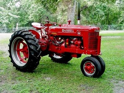 American Classic Farmall Tractor