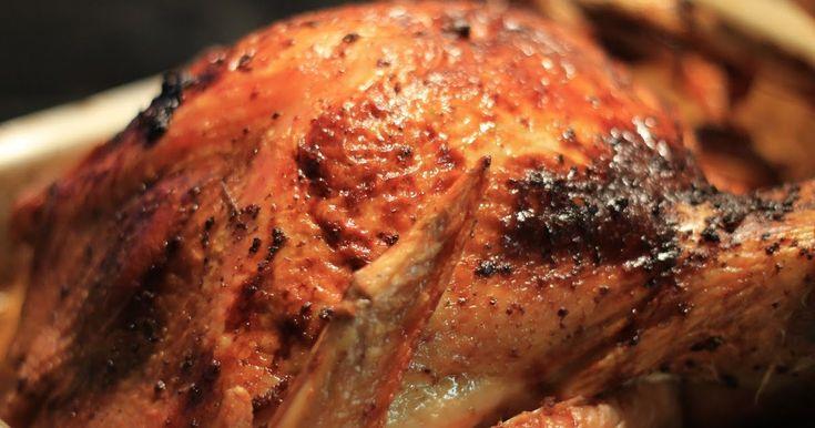 Här kommer så receptet på den ugnsstekta kalkonen från förra söndagen. Inspirerad av av Jamie Oliver brukar jag alltid göra ett kry...