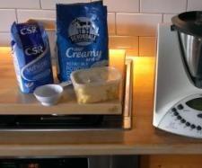 Recipe condensed milk by Maryanne Skitt - Recipe of category Basics